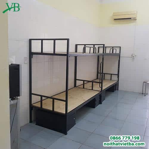 Giường sắt 2 tầng đen có hộc giá rẻ VB-4303