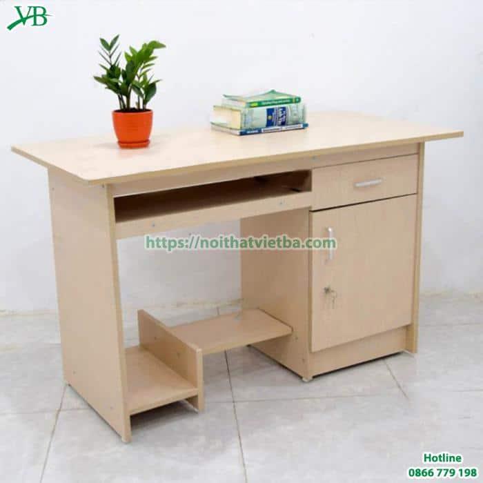 Chọn bàn làm việc văn phòng chất liệu gỗ