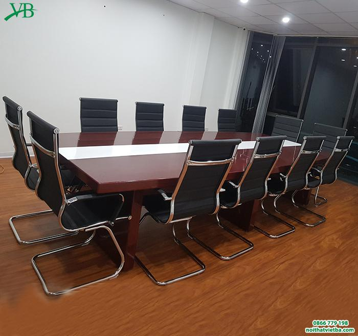 Kinh nghiệm mua bàn họp giá rẻ cần chú ý mục đích sử dụng, phù hợp với không gian