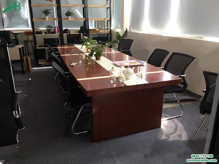 Kinh nghiệm mua bàn họp giá rẻ dành cho bạn